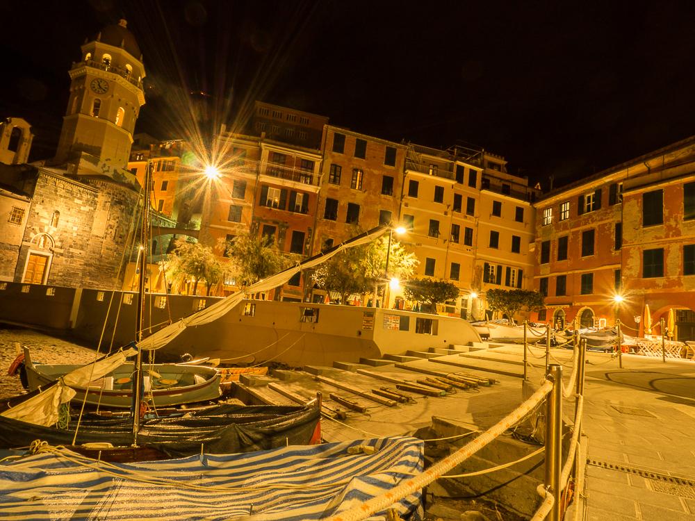 Travel Alone In Cinque Terre